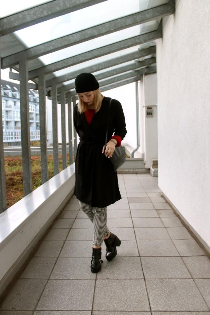 gothic-alternativer-look-schwarz-weiß