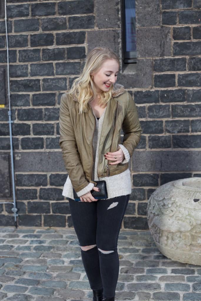 Fliegerjacke_Garcia_Jeans_outfit_Fashionblog_Cologne_0083
