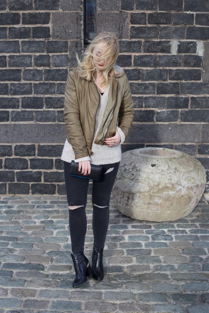 Fliegerjacke_Garcia_Jeans_outfit_Fashionblog_Cologne_0093