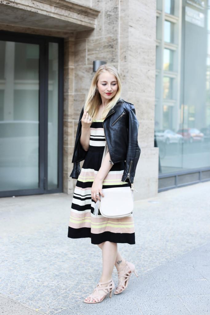mbfw-outfit-berlin-fashion-week-gestreiftes-kleid-oasis_0595