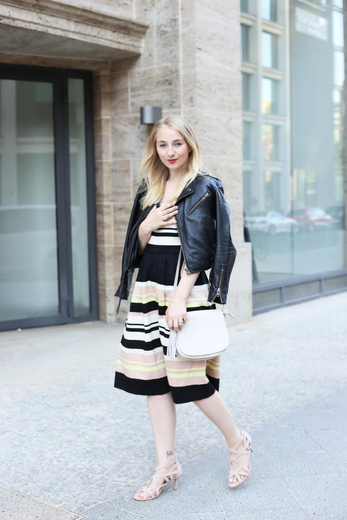 mbfw-outfit-berlin-fashion-week-gestreiftes-kleid-oasis