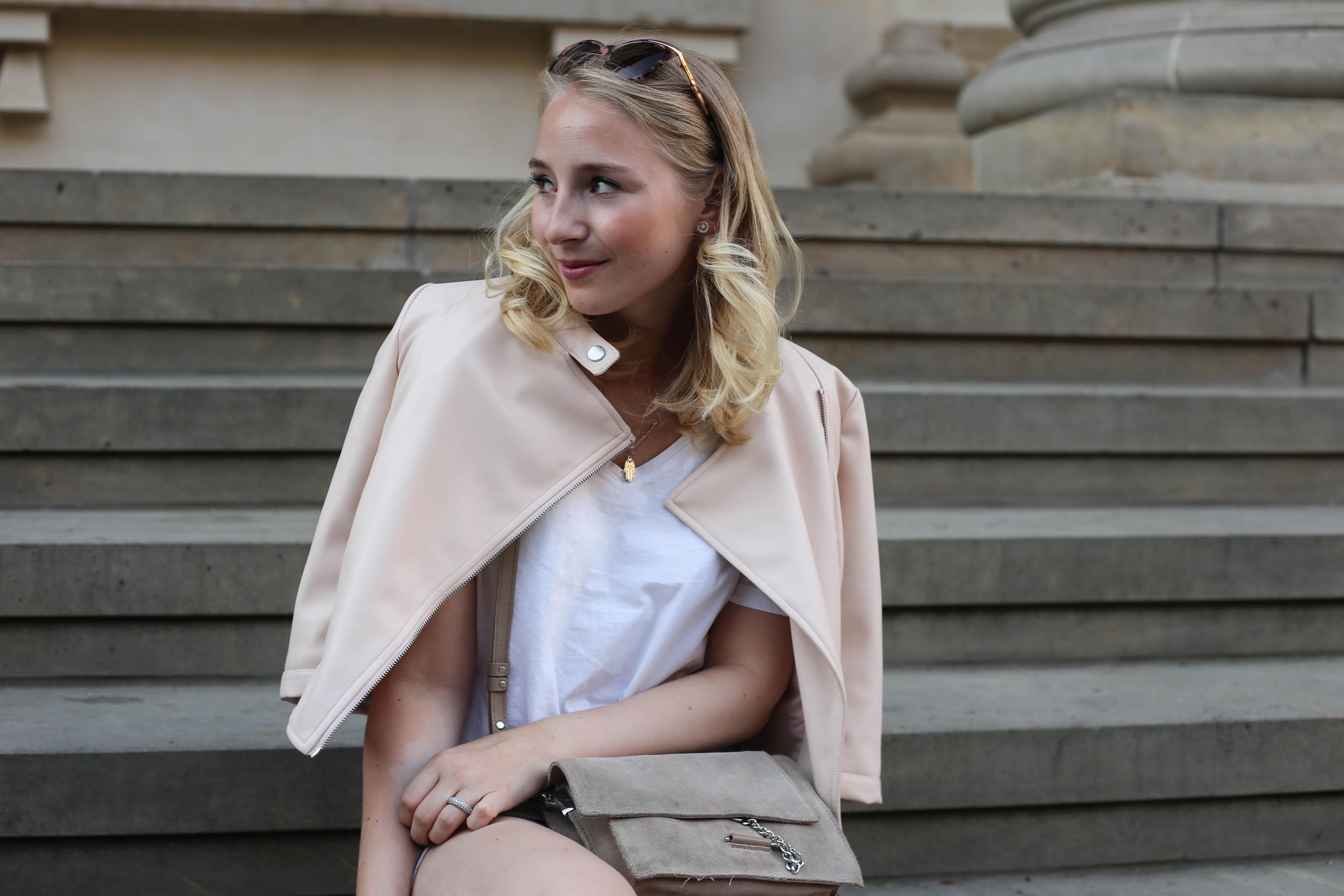 rosa-lederjacke-mango-klotzabsatz-sandalen-fashionblog-berlin-mode-blog-outfit_2389 (1)