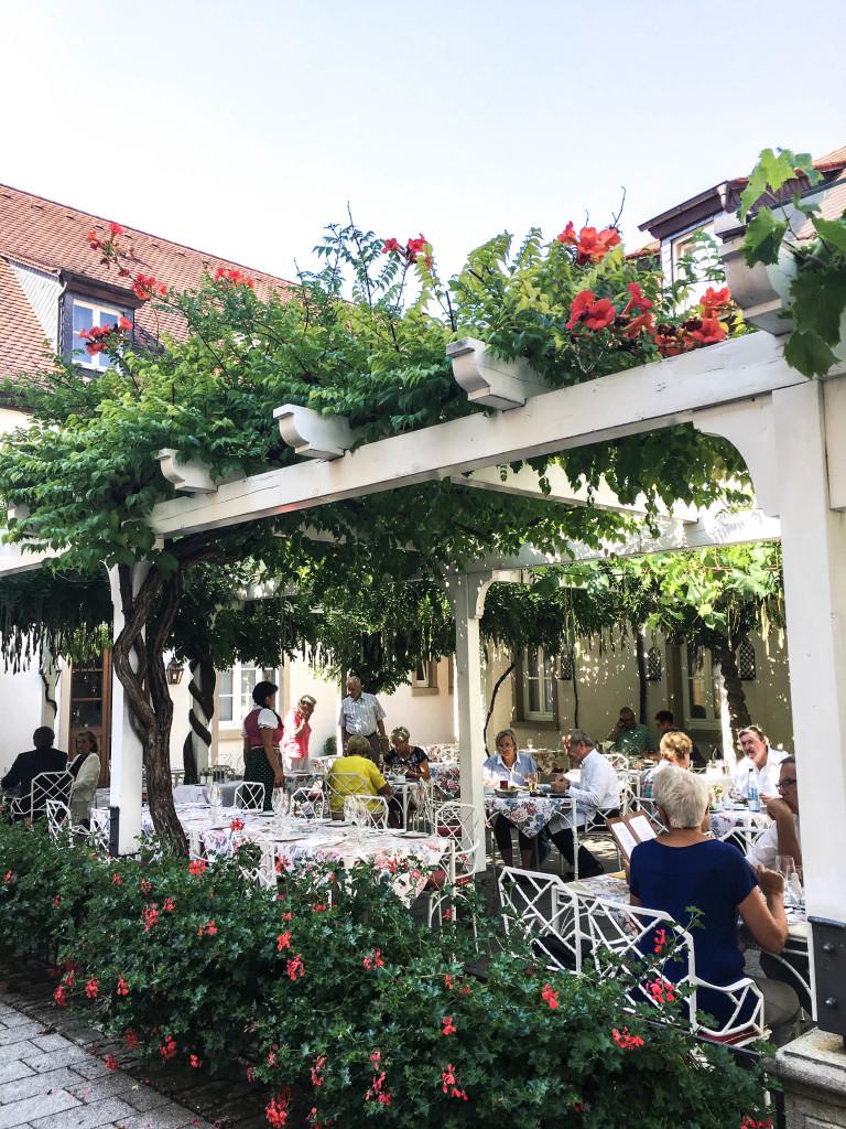 romantik-road-trip-franken-berlin-travel-reiseblog-iphofen-hotel-zehntkelle_3760