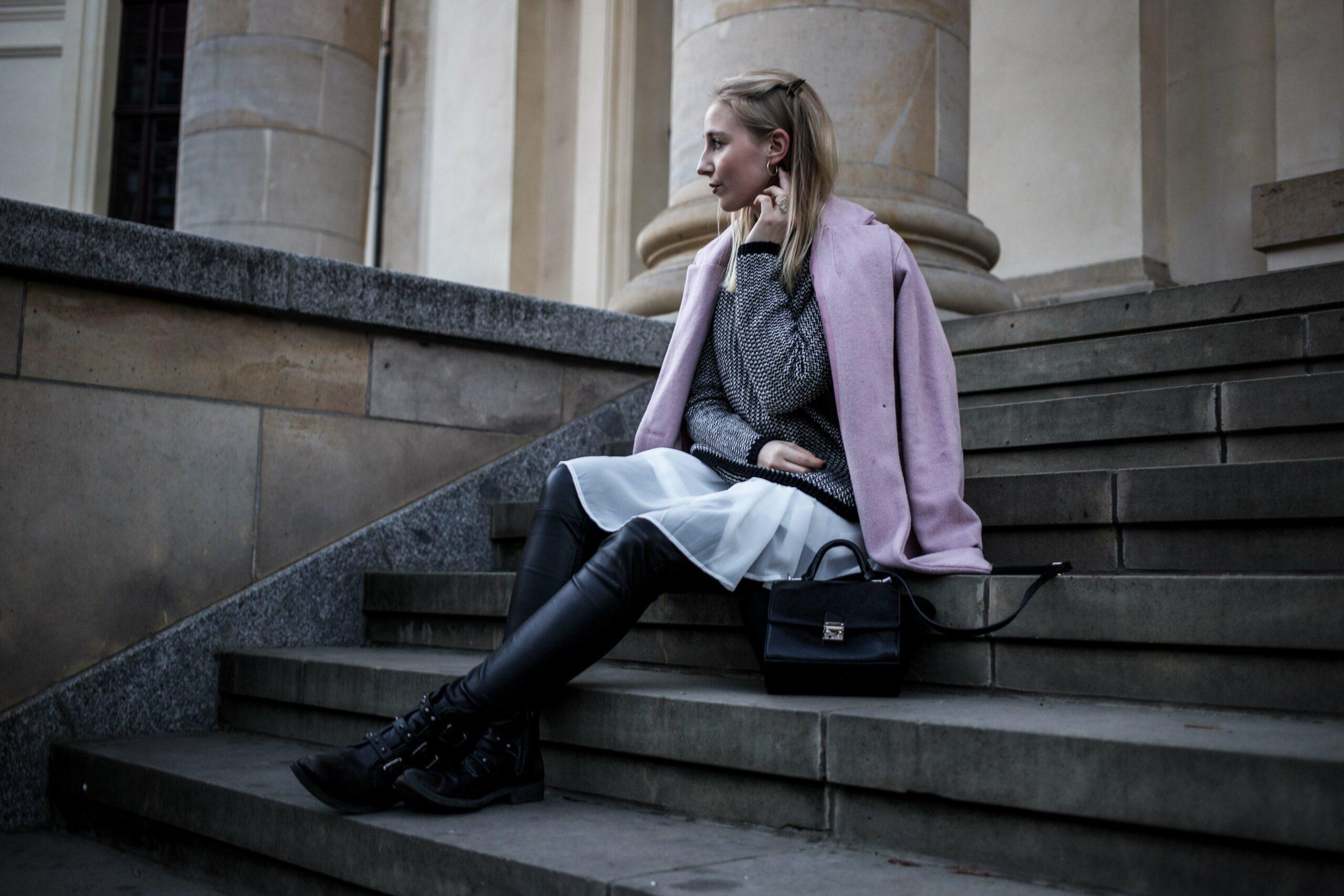 layering-outfit-biker-lederhose-thomas-sabo-schmuck-winter-outfit-berlin-fashionblog-modeblog_7455
