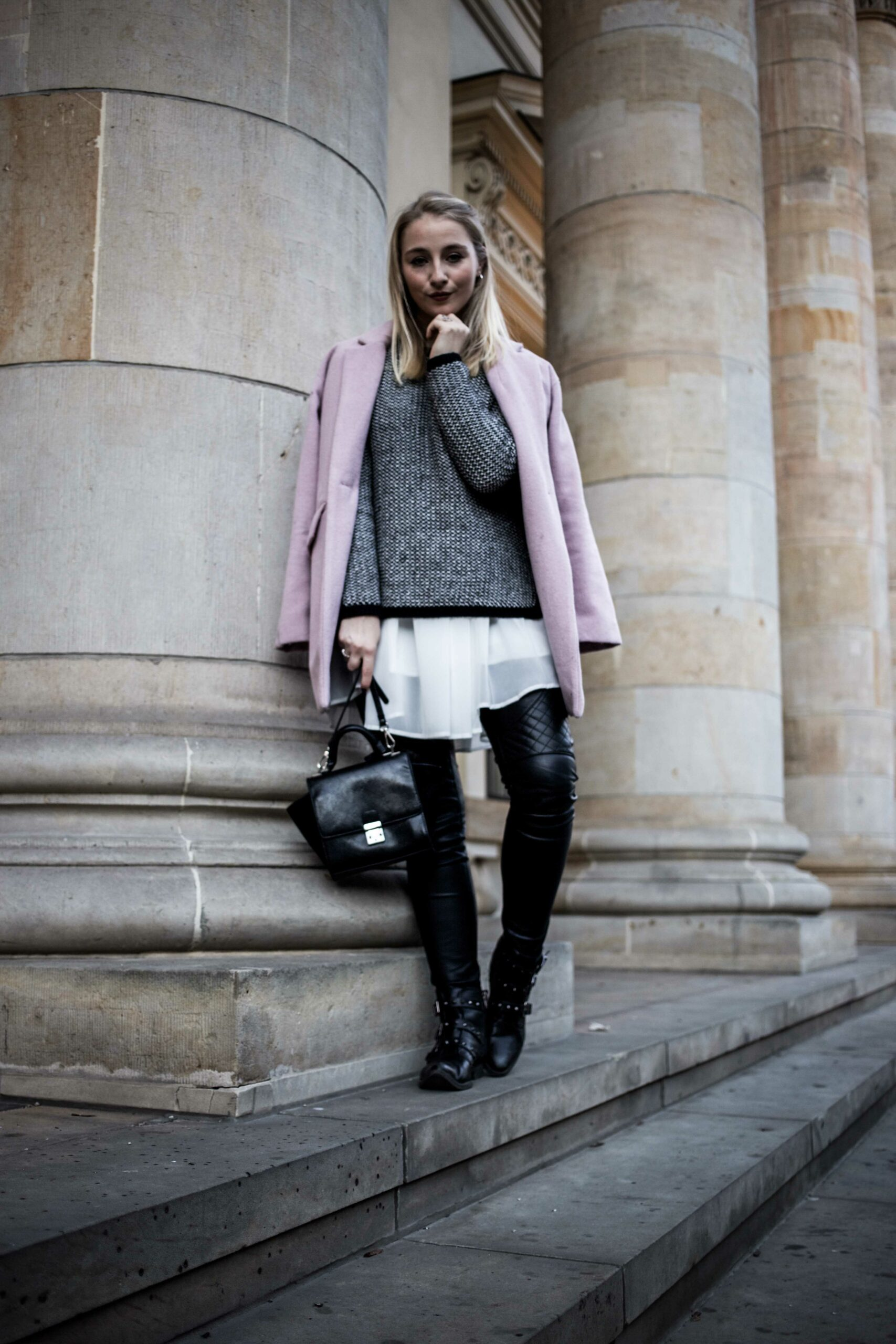 layering-outfit-biker-lederhose-thomas-sabo-schmuck-winter-outfit-berlin-fashionblog-modeblog_7506