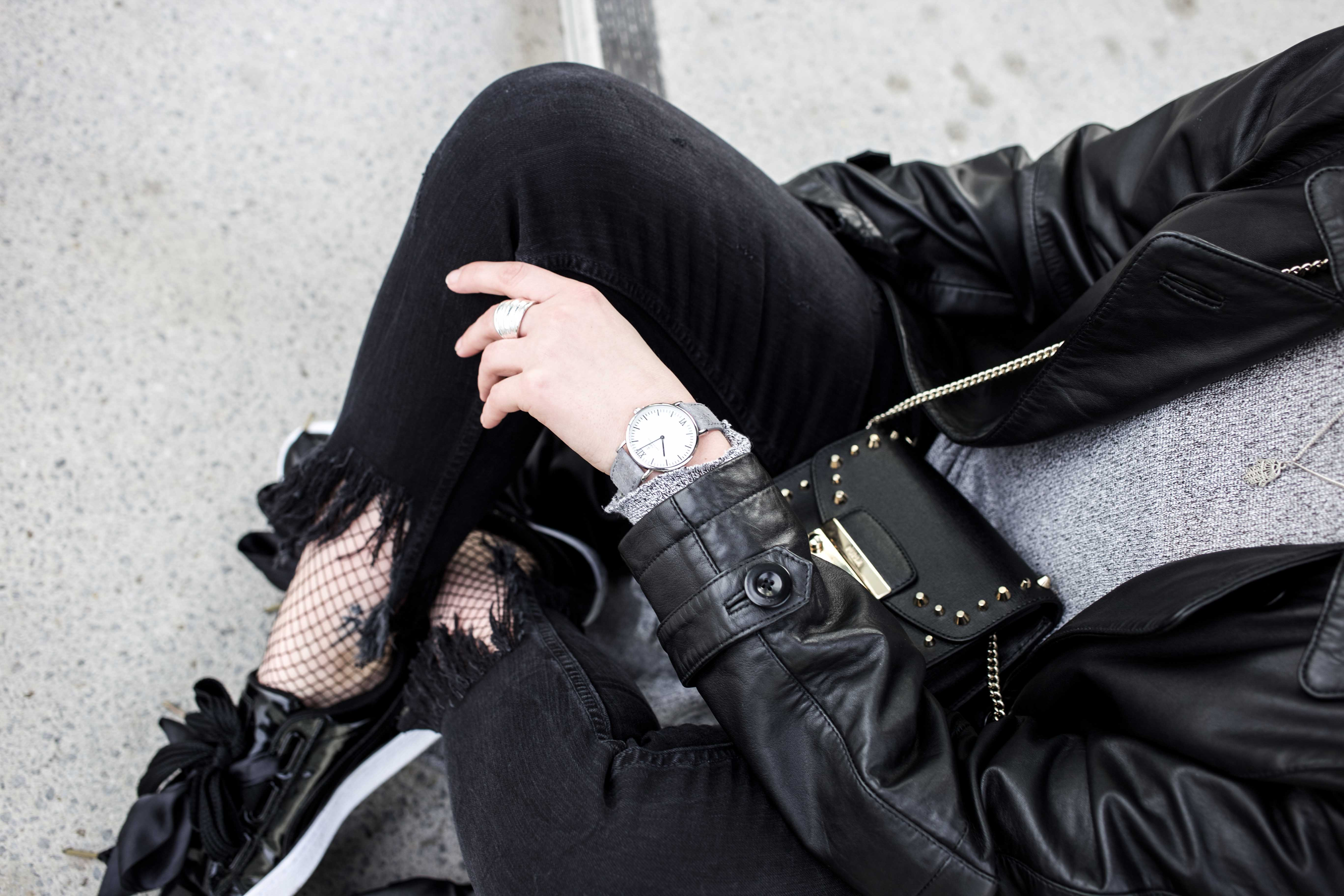 Netzstrumpfhose-kombinieren-Trend-Outfit-Fashionblog-PUMA-Basket-Ledermante_9512