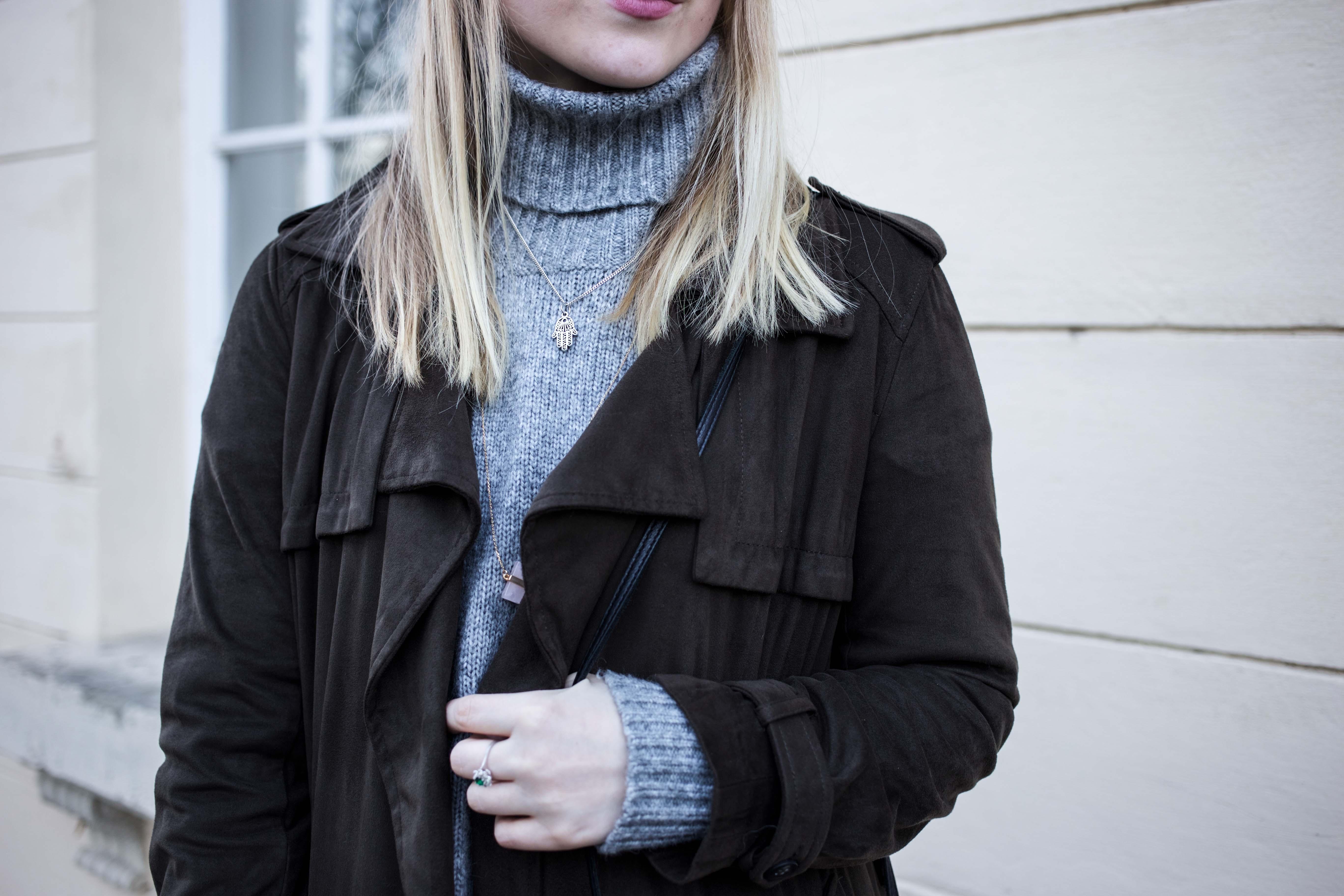 turtleneck-trench-coat-streetstyle-modeblog-fashionblog-bonn-berlin-köln-lederstiefel-silberabsatz-outfi_9233
