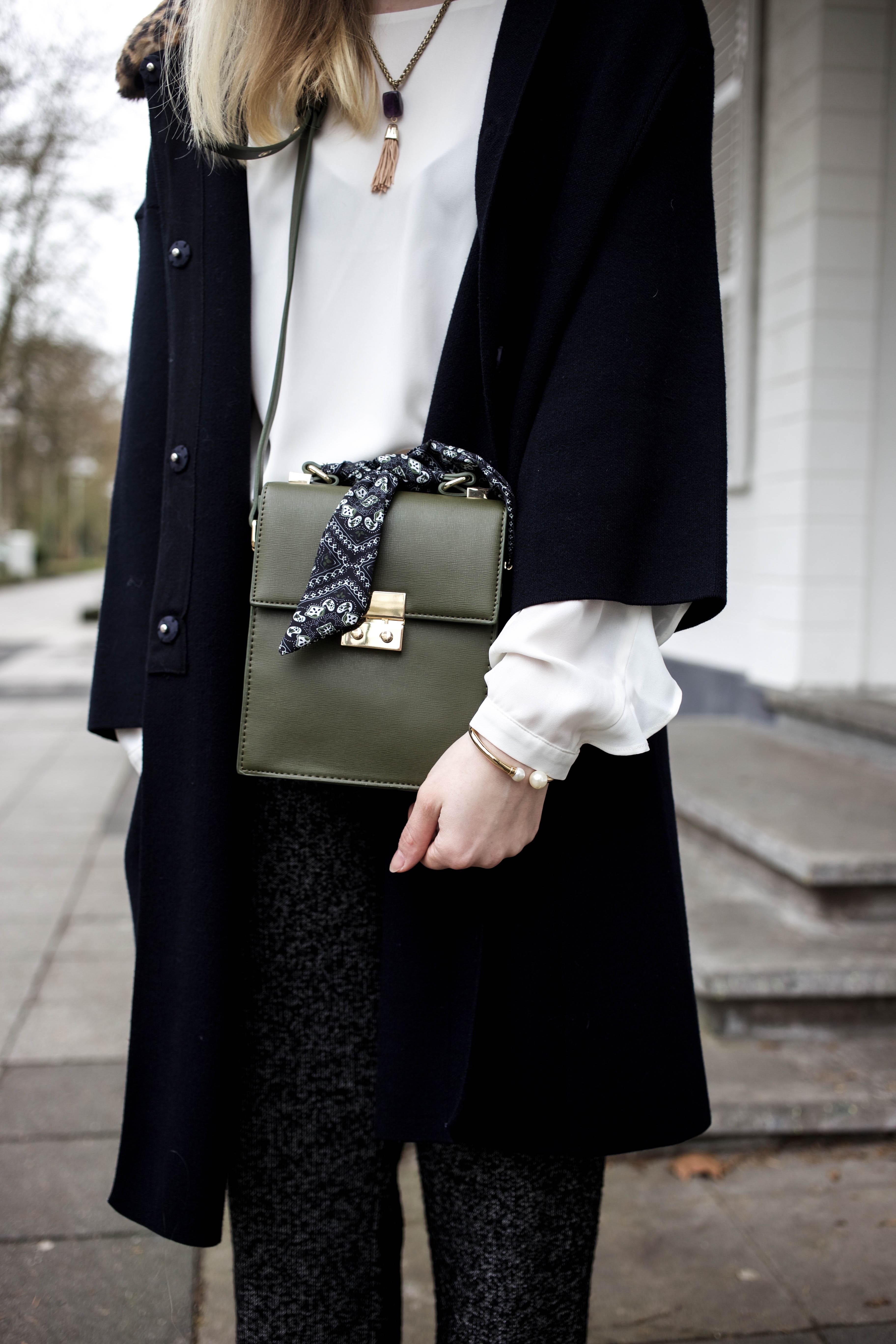 marlenehose-kombinieren-streetstyle-look-modeblog-fashion-blog-cologne-berlin-bonn_0054