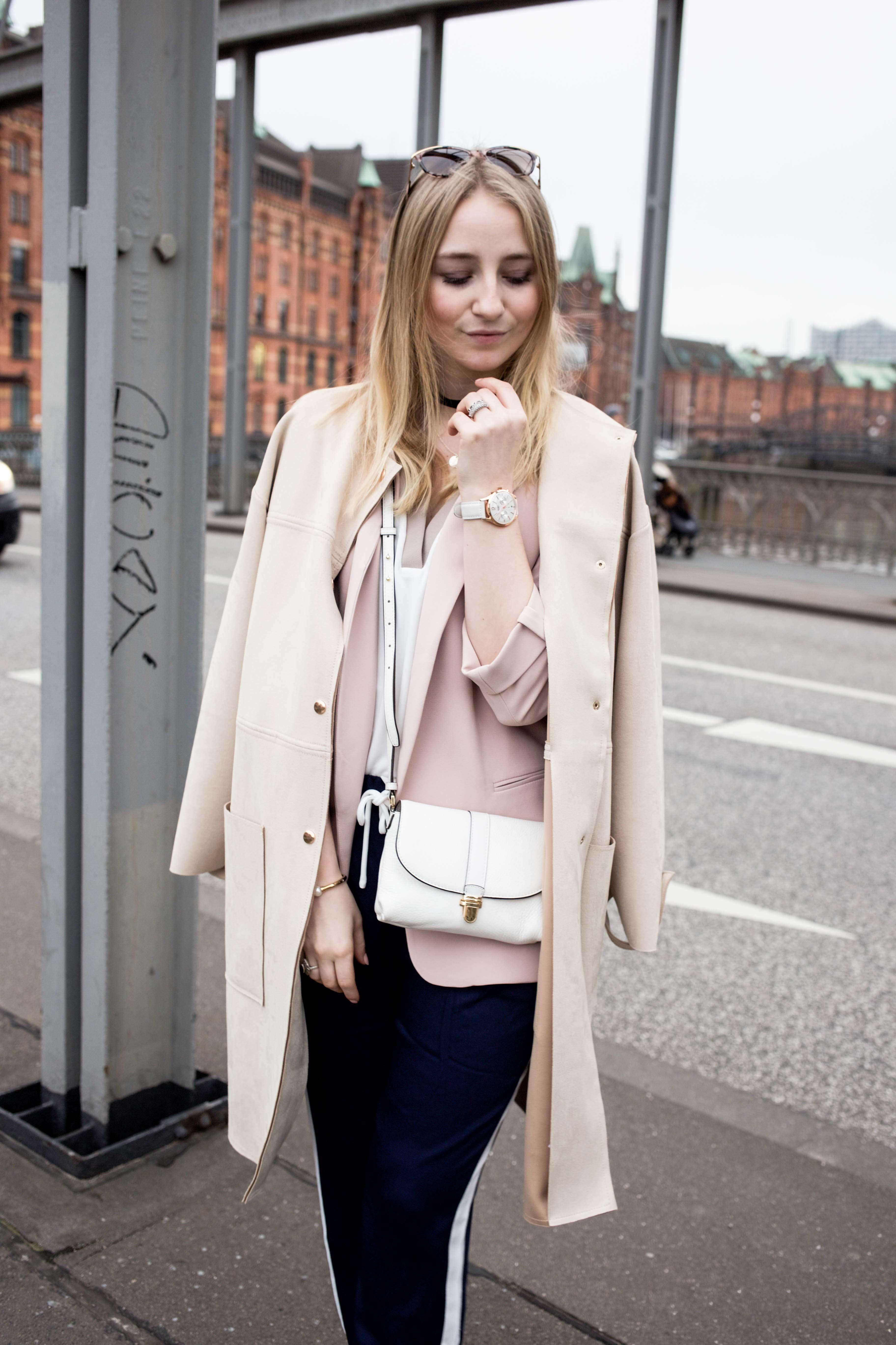 jogger-pants-streetstyle-look-hamburg-fashionblog-how-to-style_0725
