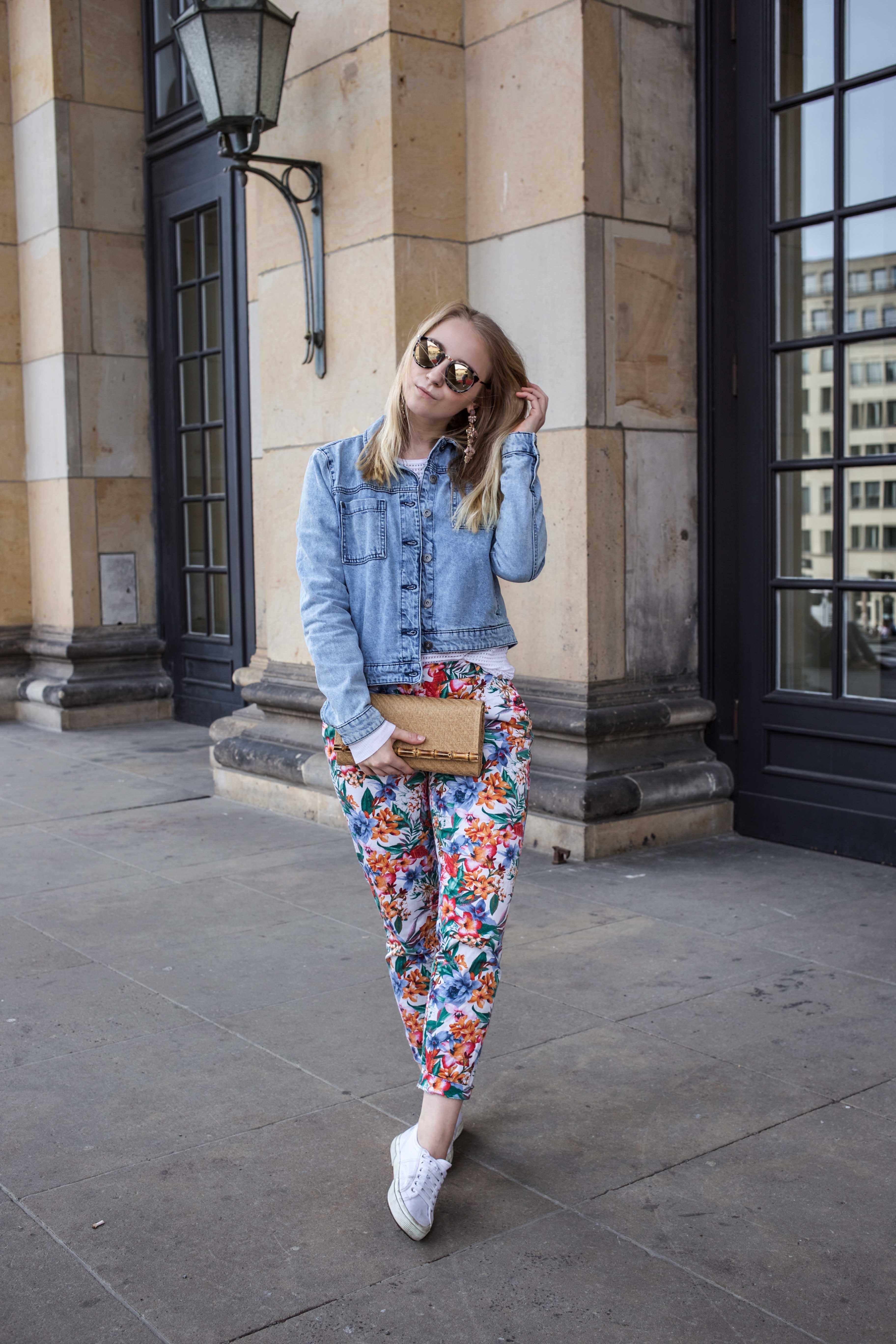 colorful-spring-destroyed-jeansjacke-frühling-berlin-fashionblog_5848