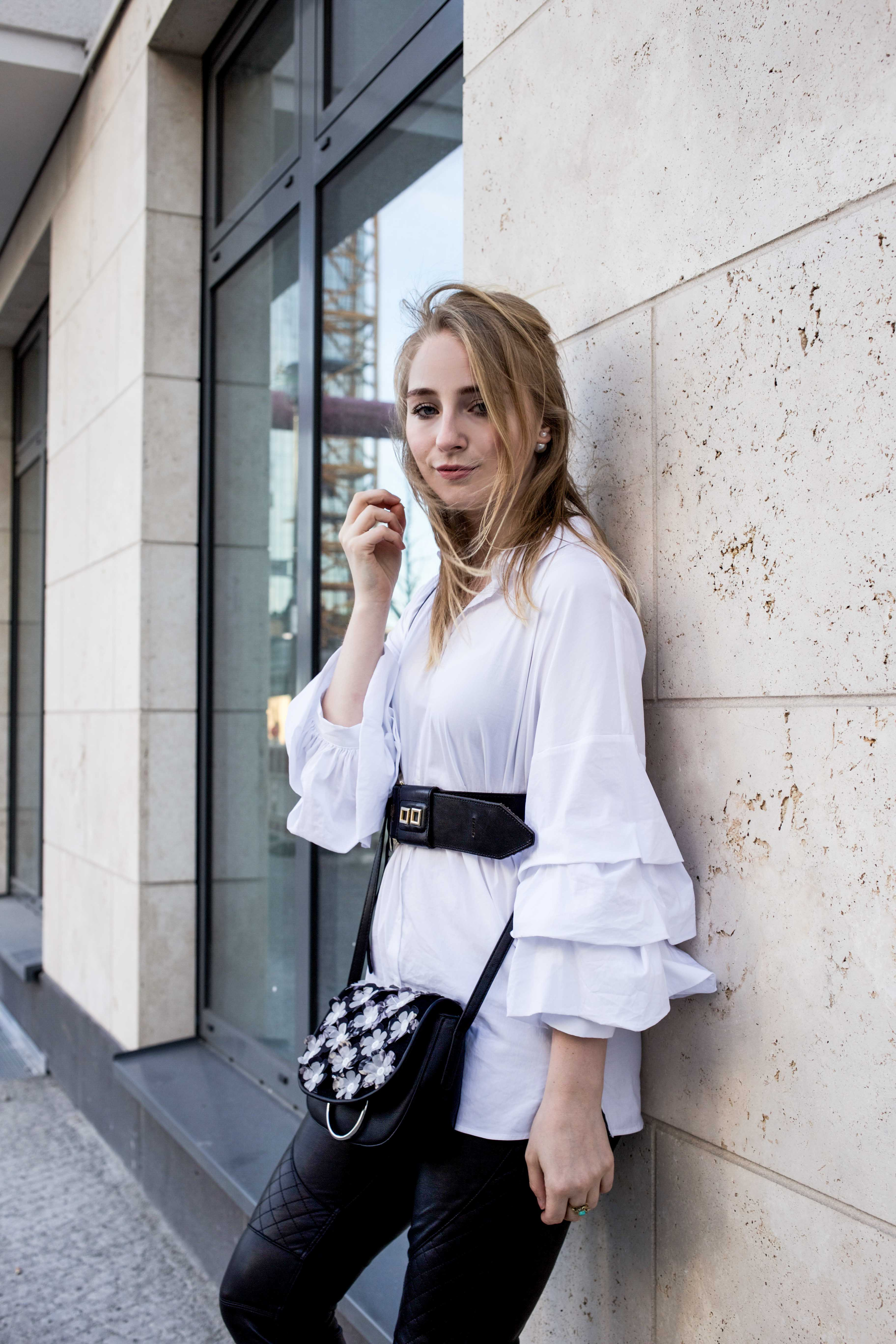 trendreport-weiße-bluse-trompetenärmel-fashionblog-ootd-modeblog-berlin_8866