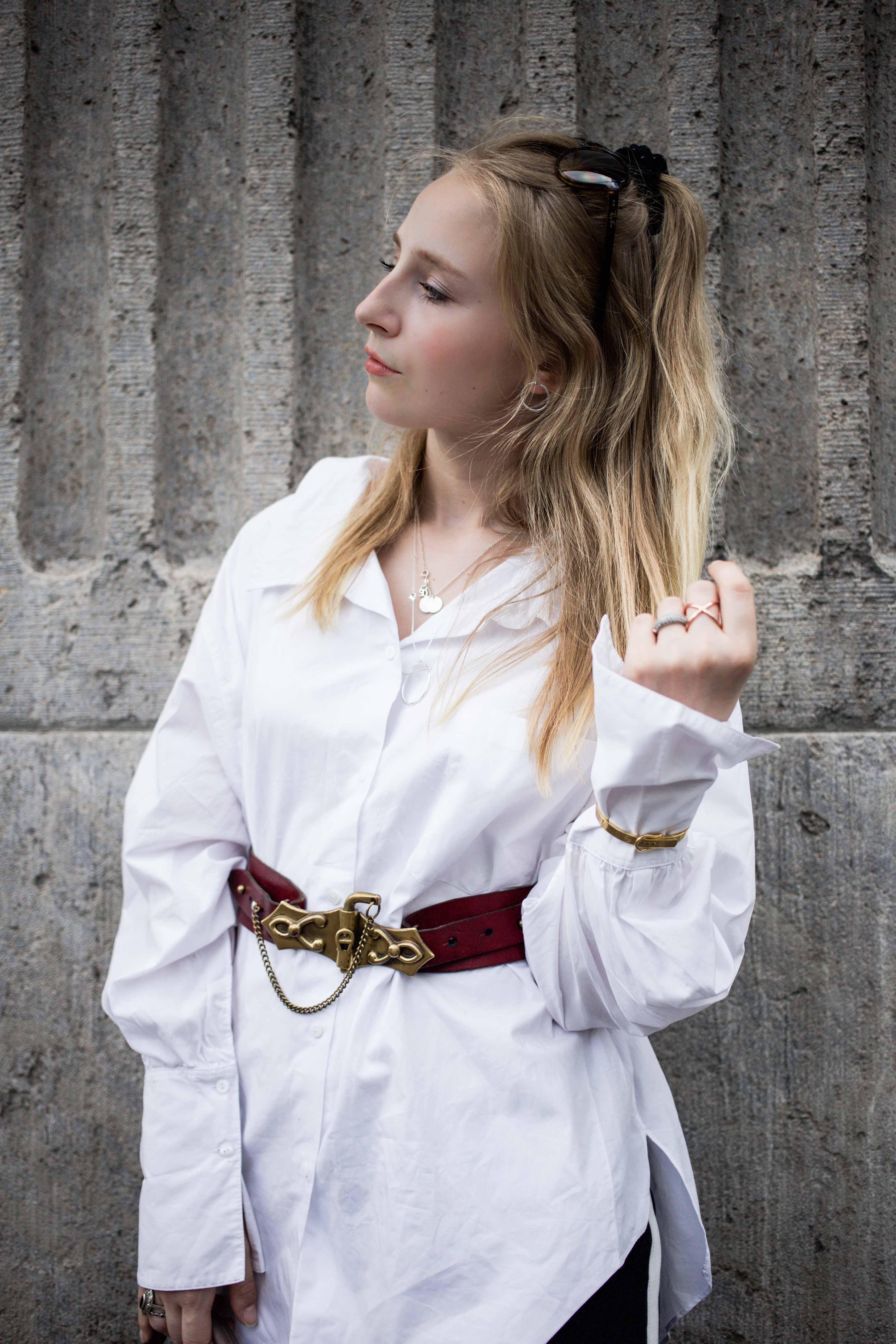 fashionweek-berlin-statement-gürtel-oversized-bluse-outfit-modeblog_6341