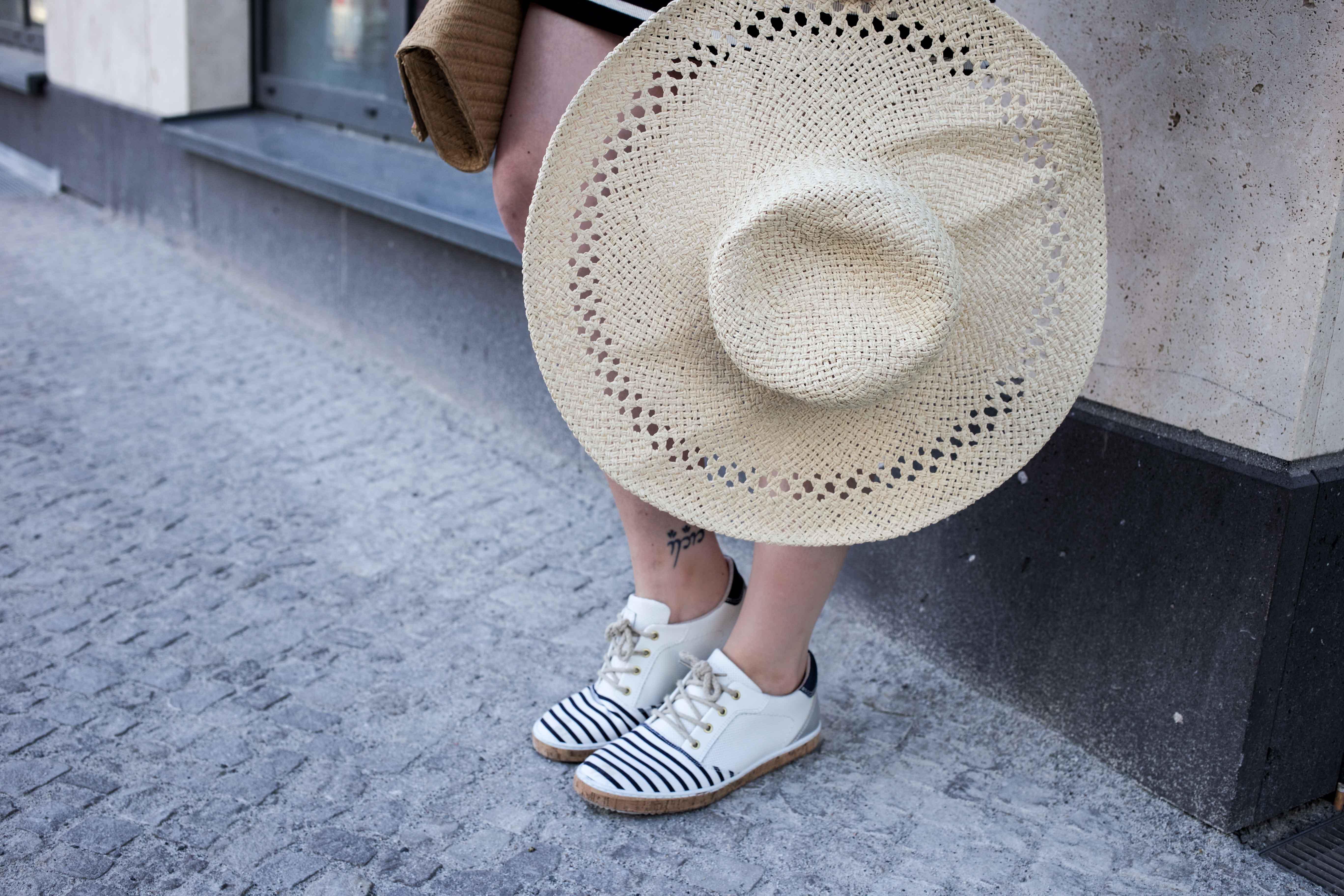 modeblog-fashionblog-berlin-köln-cologne-sonnenhut-outfit-fashion-lifestyle-sommerloo-10