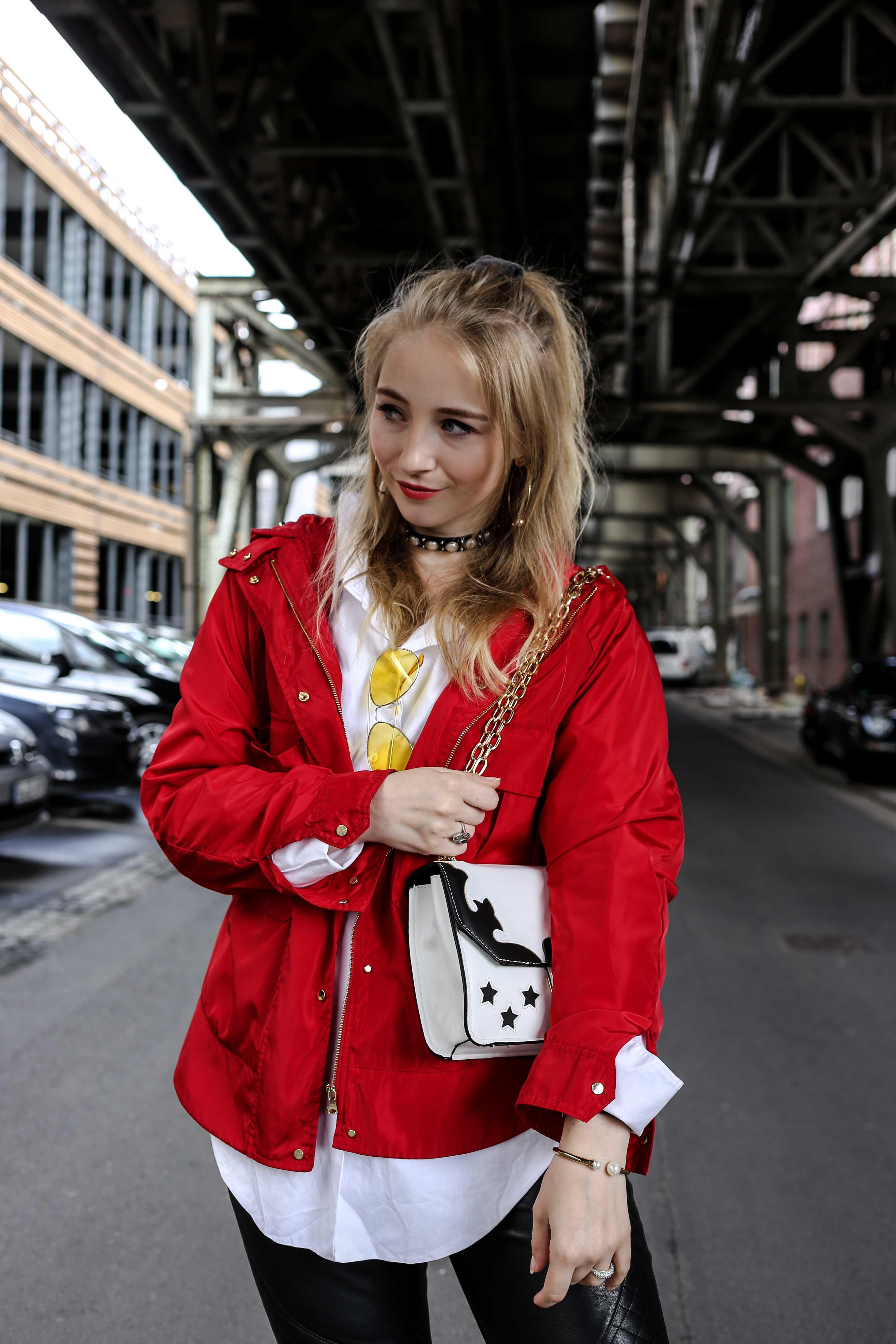 fashion-week-look-rote-regenjacke-grunge-outfit-berlin-modeblog-fashionblog_9319