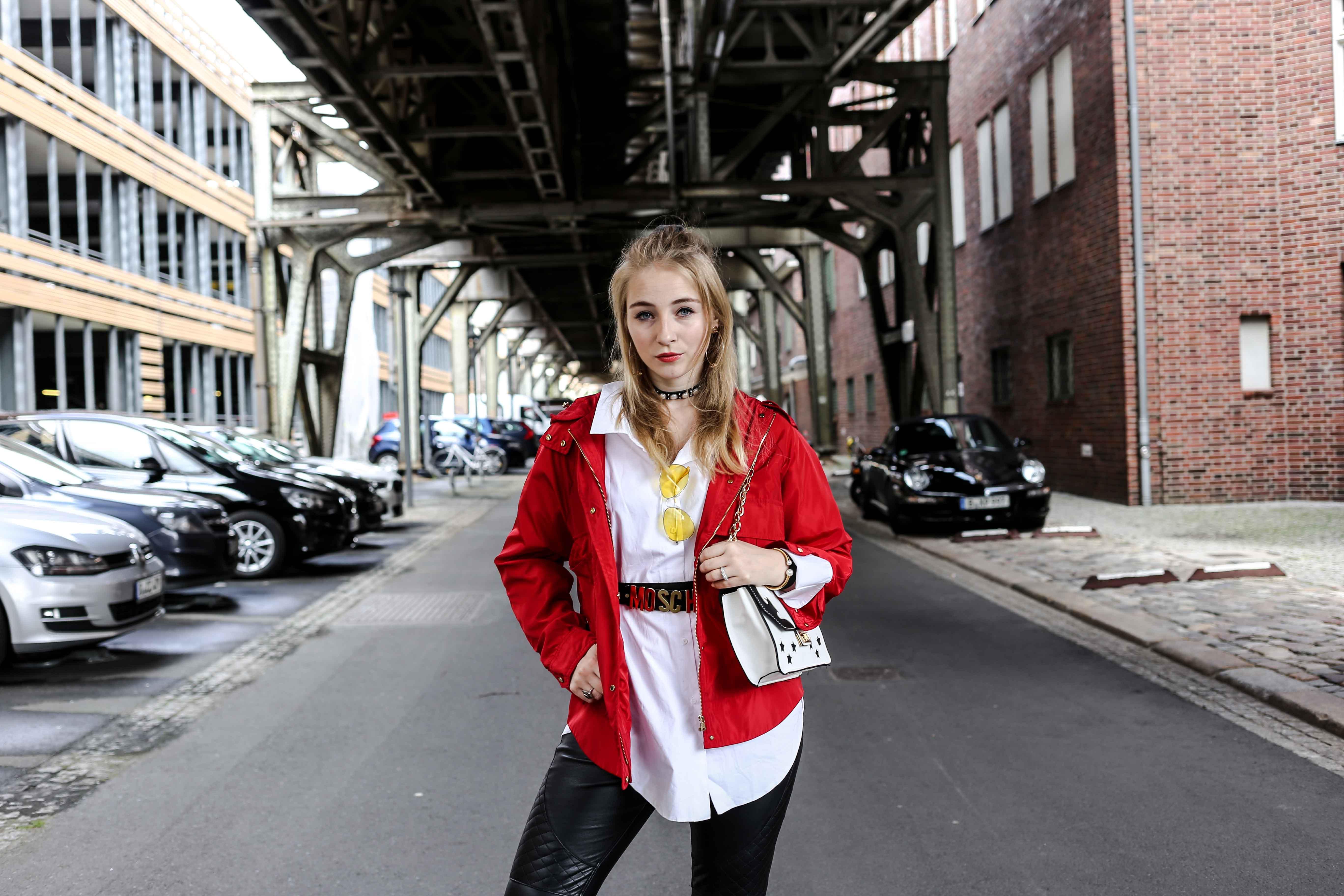 fashion-week-look-rote-regenjacke-grunge-outfit-berlin-modeblog-fashionblog_9332