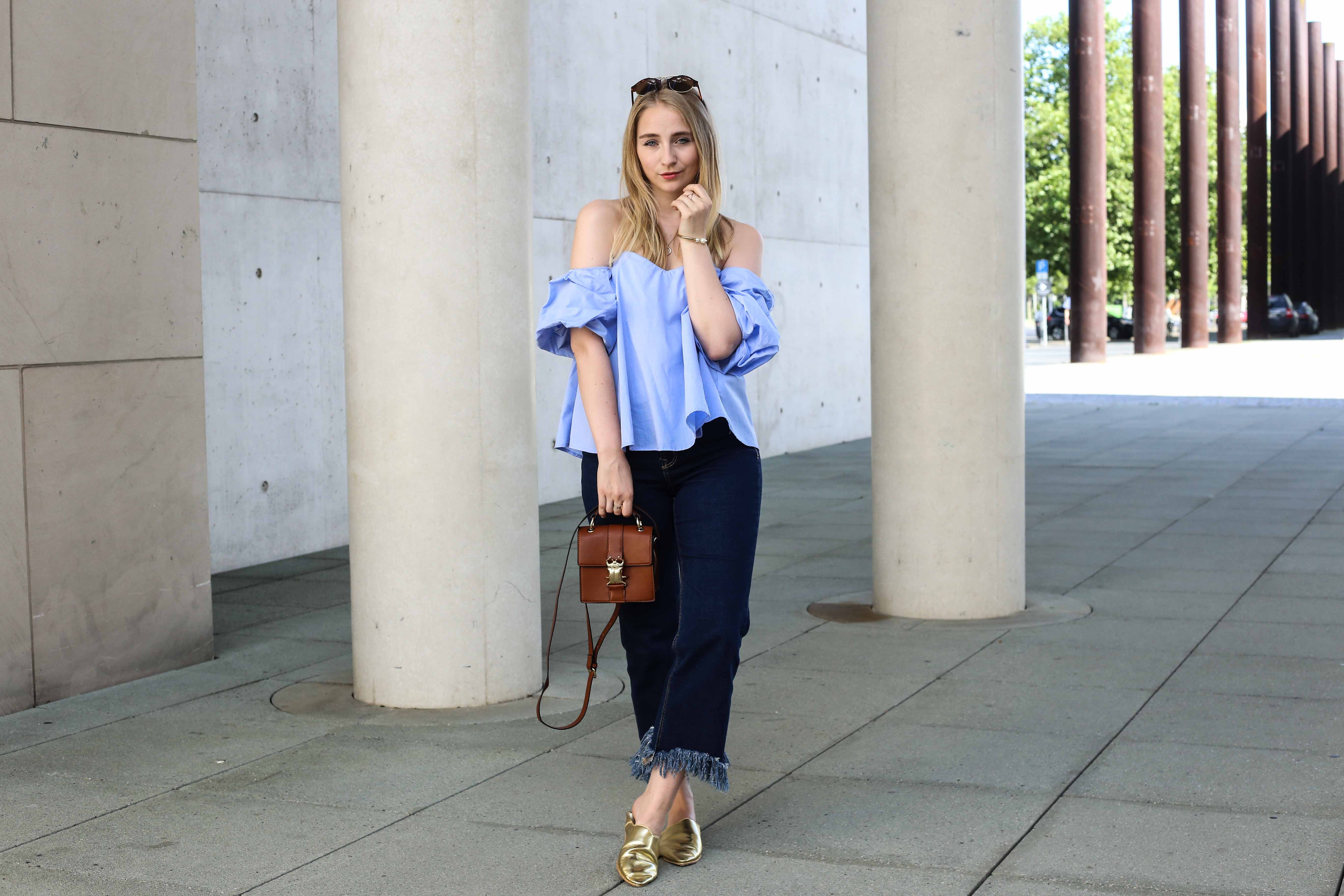 off-shoulder-fransenjeans-outfit-babouches-fashionblogger-modeblog-köln-berlin-modeblogger_7319