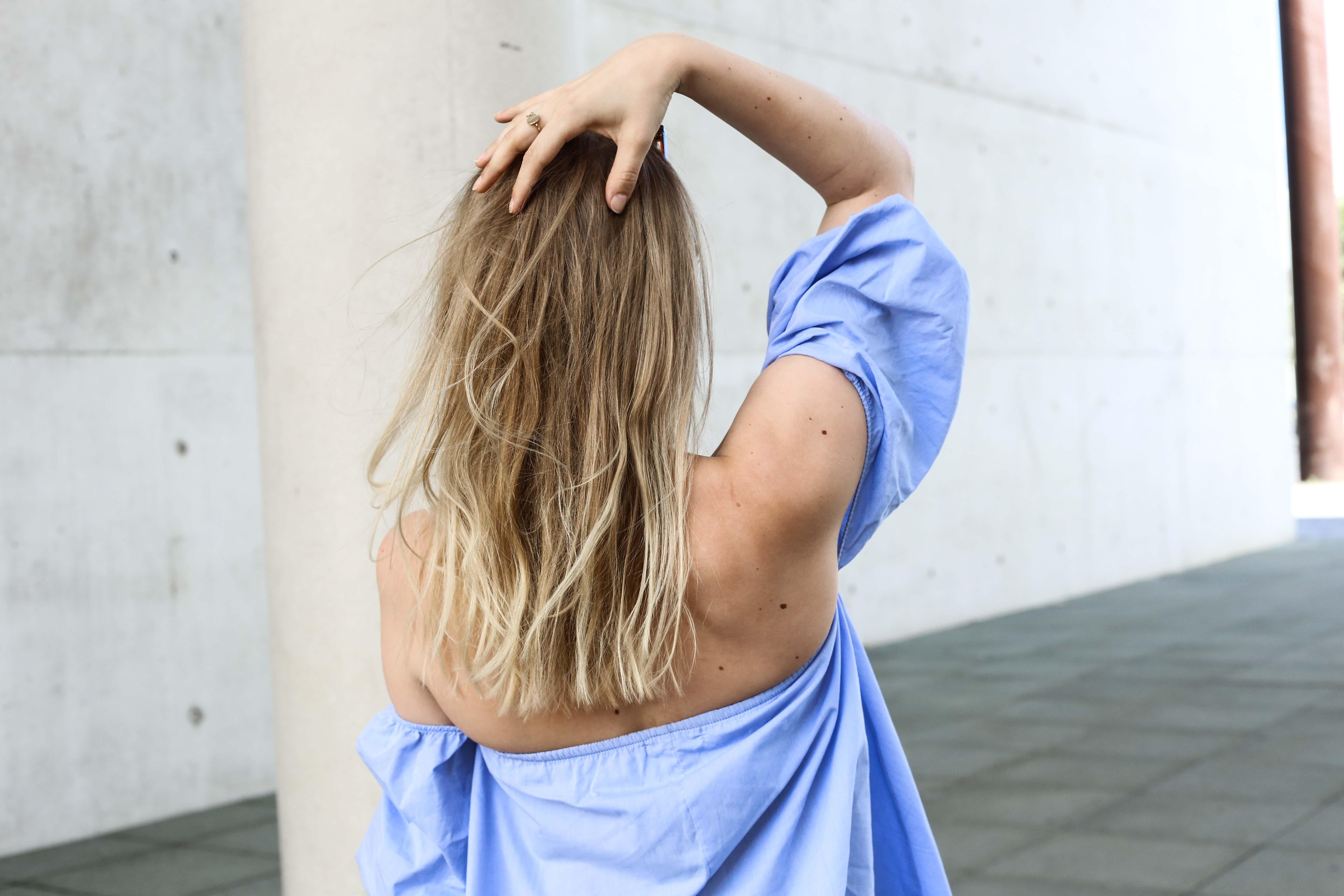 off-shoulder-fransenjeans-outfit-babouches-fashionblogger-modeblog-köln-berlin-modeblogger_7361