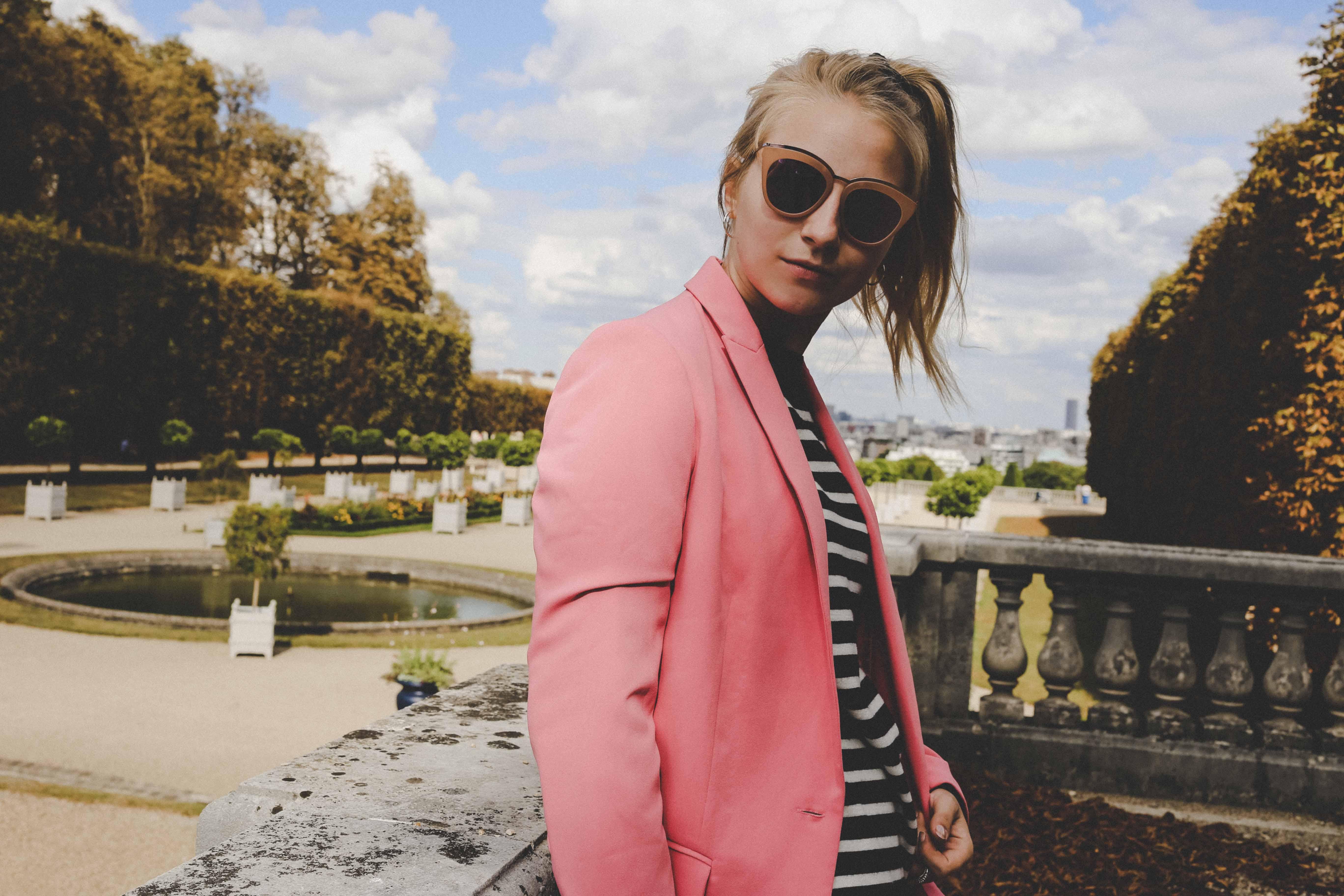 trendreport-pinker-hosenanzug-pink-suit-how-to-paris-fashionblog-modeblog-outfit_1902