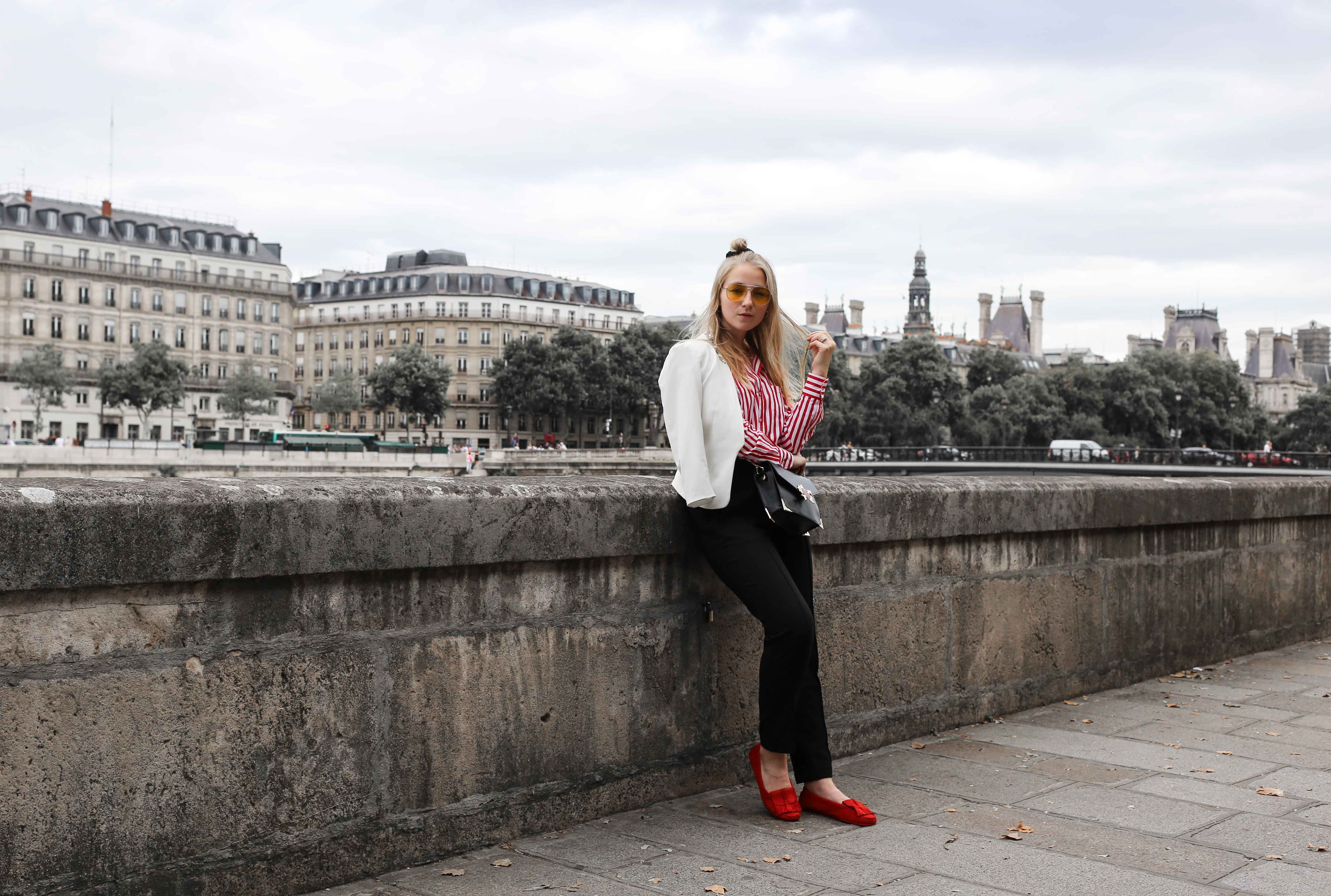 rote-mokassins-streifenbluse-weißer-blazer-paris-modeblog-fashionblog-fashion-blog_1410