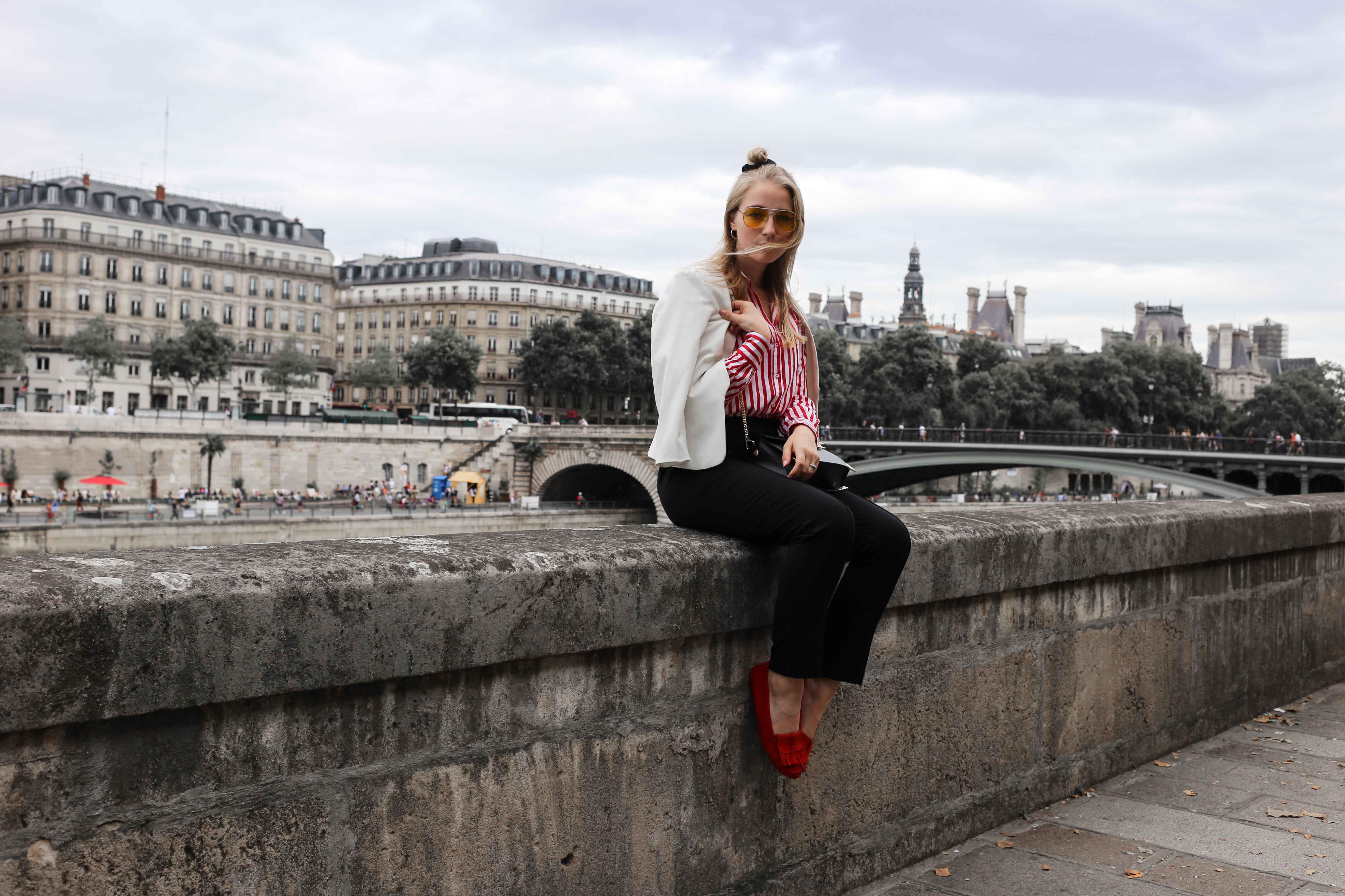 rote-mokassins-streifenbluse-weißer-blazer-paris-modeblog-fashionblog-fashion-blog_1428