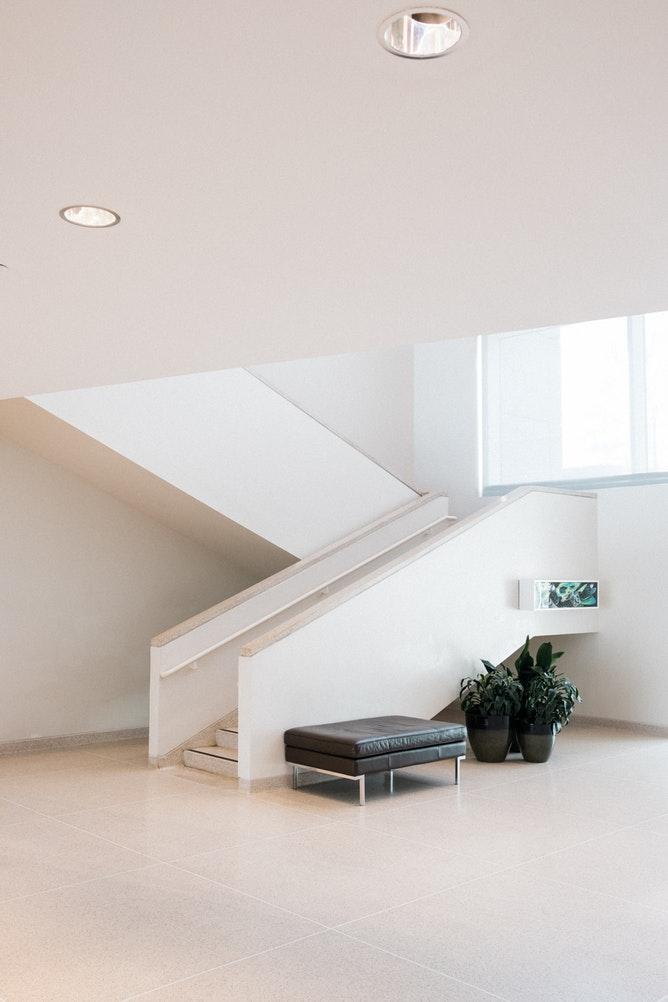 flur gestalten Wohnung interior sitzbank