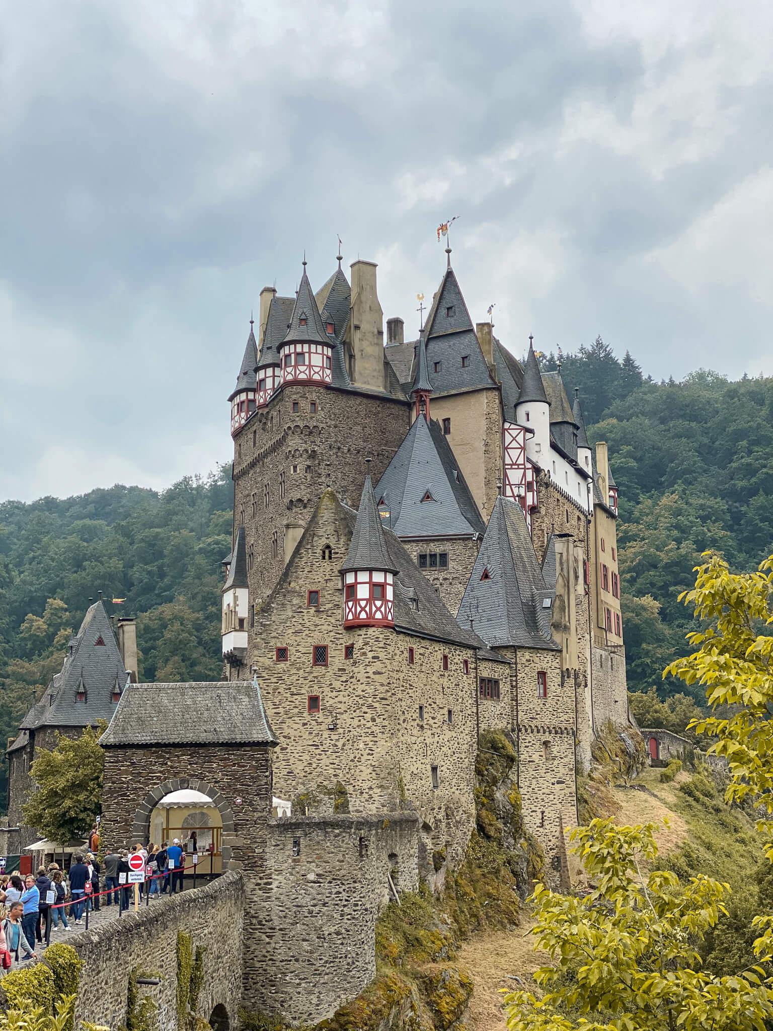 Urlaub in Deutschland Ausflug Burg Eltz